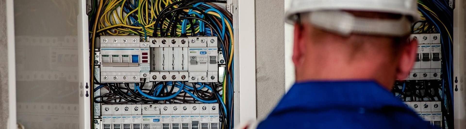 Elektriciteitswerken Piet Van Hoecke - Elektrician op wazaa