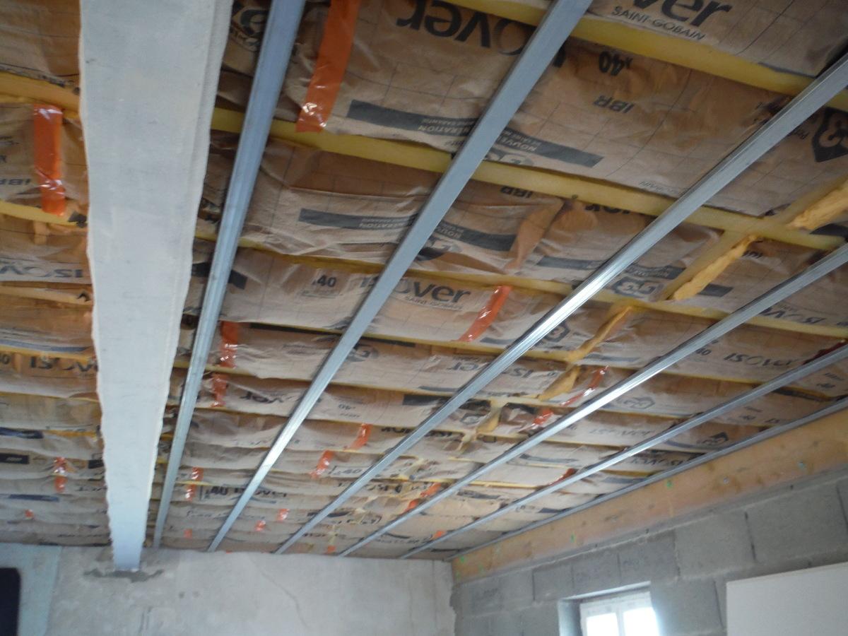 Comment Isoler Un Plafond Contre Le Bruit comment améliorer l'isolation sonore